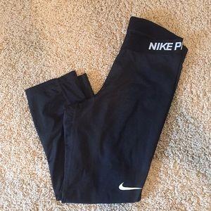 Nike pro yoga pants Capri
